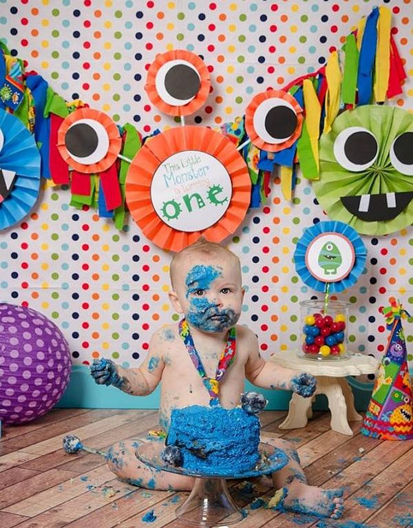 مانستر 15 - تم تولد مانستر ؛ تمی عجیب برای جشنی شاد و دوست داشتنی