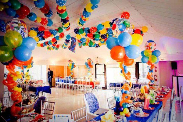 تمهای تولد 1 8 600x400 - عجیب ترین تم های تولد برای جشنی متفاوت و به یادماندنی