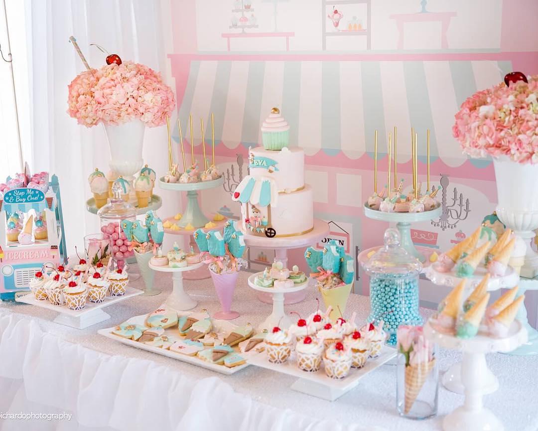 1555738733 CNAEKVKIRA - ایده های تزئین جشن تولد ، تولدی به یادماندنی با ایده هایی جالب
