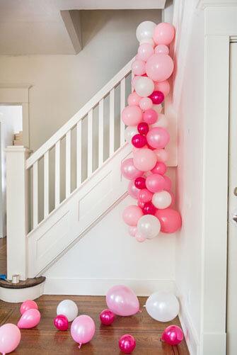 6a9864e416e9f0acc08c3489cd55e8c5 - بادکنک  آرایی با طرح کمان ،ایده ای ارزان و زیبا برای تولد شما