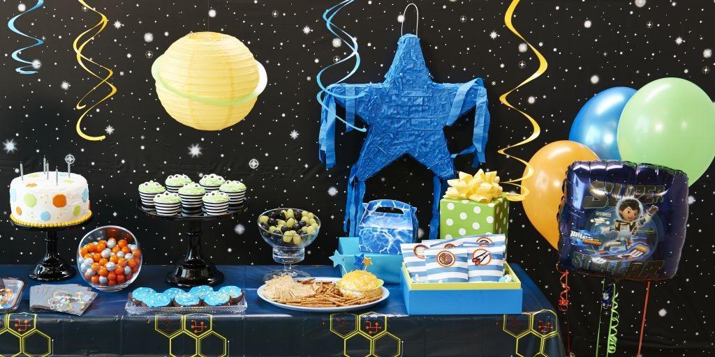 Miles From Tomorrowland LS 1 1024x512 - تم تولد فضایی تمی دوست داشتنی برای کودکان خردسال