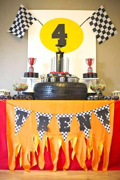 car birthday party themed ideas16 - تم تولد ماشین ها تمی بینظیر برای آقا پسرها