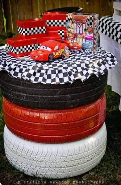 car birthday party themed ideas18 - تم تولد ماشین ها تمی بینظیر برای آقا پسرها
