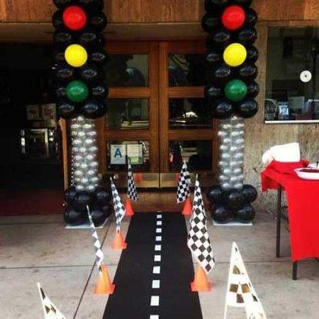 car birthday party themed ideas19 450x450 - تم تولد ماشین ها تمی بینظیر برای آقا پسرها