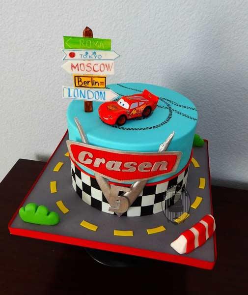 car birthday party themed ideas5 - تم تولد ماشین ها تمی بینظیر برای آقا پسرها