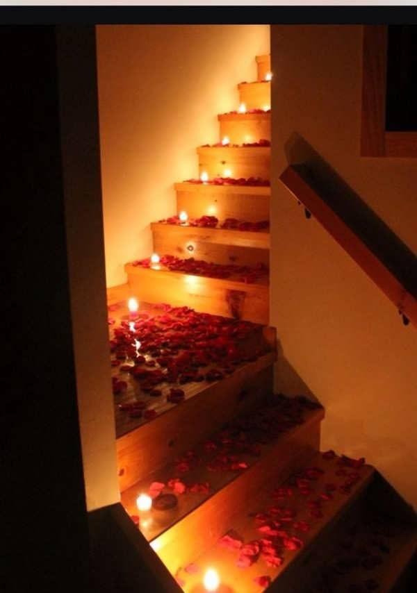 Staircase decoration 26 e1567368180837 - تمی عاشقانه و رمانتیک با ایده هایی عاشقانه