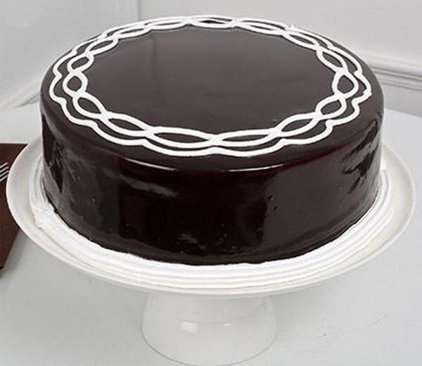 268736 433 - طرز تهیه ی کیک شکلاتی برای  تولد به 6 روش متفاوت