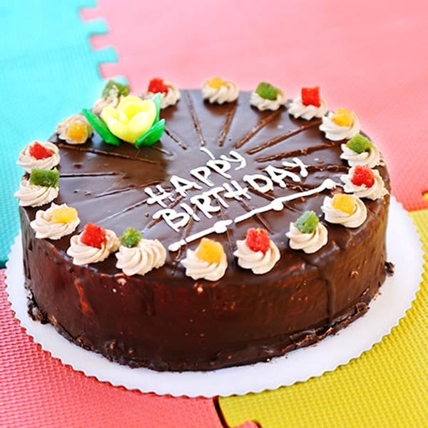 268738 860 - طرز تهیه ی کیک شکلاتی برای  تولد به 6 روش متفاوت