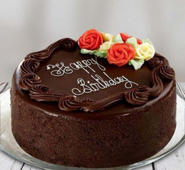 268744 485 - طرز تهیه ی کیک شکلاتی برای  تولد به 6 روش متفاوت